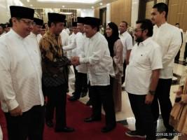 Hadiri Buka Puasa Bersama DPP Partai Golkar,Arinal Djunaidi Bertemu Presiden Jokowi