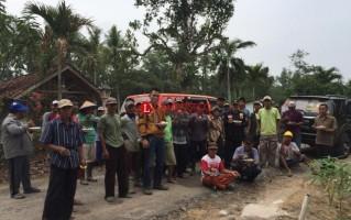 Partai Hanura Tubaba Gelar Gotong Royong Bersama Warga Lambu Kibang