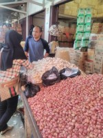 Harga Bawang Merah dan Bawang Putih Naik di Kotabumi