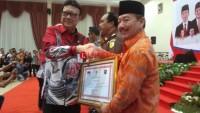 Herman HN Dapat Penghargaan Pembinaan Pemerintah