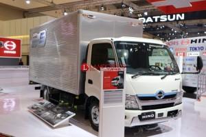 Hino Hadirkan Dutro Hybrid di GIIAS 2019