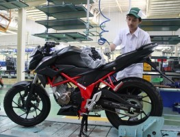 Honda CB150R StreetFire Special Edition Tampil Lebih Gahar