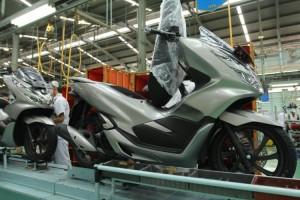 Honda PCX Hadir dengan Warna Baru