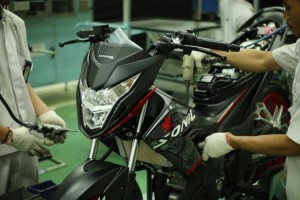 Honda Segarkan Tampilan Sonic 150R