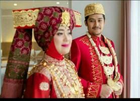 Humas Pemkab Lamtim Pastikan Pernikahan Chusnunia-Erry
