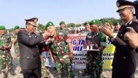 HUT Ke-73 Bhayangkara, Kodim 0426 Bawakan Kue Ultah ke Polres Tuba-Mesuji