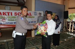 HUT Polantas Ke-63, Satlantas Polres Lampung Utara Gelar Bakti Sosial