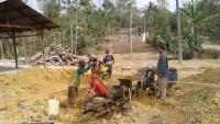 <i>Tanah Liat Penggerak Roda Ekonomi Bumdes Barokah</i>