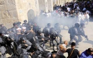 Iduladha, Warga Palestina Bentrok dengan Polisi Israel di Al-Aqsa