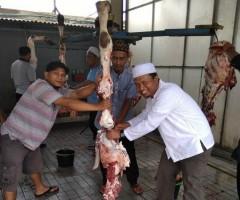 IKA2000-Rajabasa Tebar Kurban untuk Dhuafa