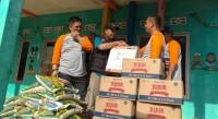 Ikatan Alumni FISIP Unila Angkatan 93 Berikan Bantuan untuk Korban Tsunami