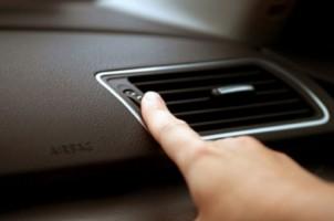 Ini Faktor Penyebab AC Mobil Tidak Dingin