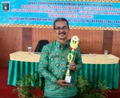 Irwan Qalbi Juara I Pemilihan Kepala SMP Berprestasi Tingkat Provinsi 2018