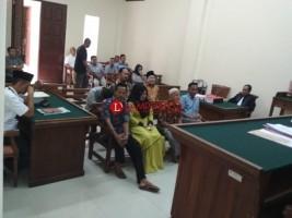 Istri Kades Kekiling Mohon Keringanan Hukum untuk Suami