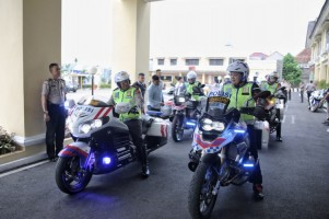 Jajal Jalan Tol, Gubernur-Kapolda Pastikan JTTS Siap Diresmikan Jokowi