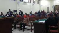 Jaksa KPK Dakwa Sibron Aziz dan Kardinal 2 Pasal