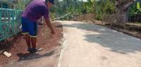 Jalan Cor dari Dana Desa Banjarsuri Keropos