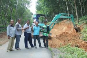 Jalan Raya Desa Sabahbalau akan Dilebarkan