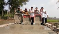 Jalan Usaha Tani di Pulautengah Dibeton