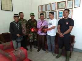 Jelang Idul Fitri 1439, PT BSSW Salurkan Paket Sembako kepada Warga Penumangan