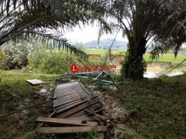 Jembatan Gantung Penghubung Dua Pekon di Pringsewu Hanyut