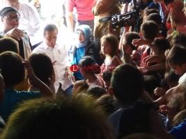 Jokowi Sapa Anak Korban Tsunami di Pengungsian