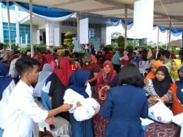 Jual 2 Ribu Paket Sembako Murah, BI Lampung Diserbu Warga