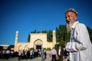 Jutaan Uighur di Xinjiang Terus Dilacak