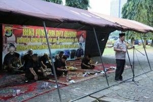 Kapolda Lampung Buka Puasa Bersama Pasukan Brimob BKO di Monas
