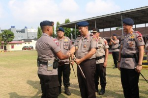 Kapolda Lampung Lepas 100 Personel Satbrimob ke Sulteng