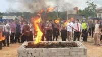 Kapolda Lampung Musnahkan 348 Kg Ganja