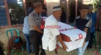 Kapolres Lampura Hadiri Pemakaman TKI dari Malaysia