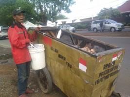 Keberkahan Mengais Rezeki dengan Mengumpulkan Sampah