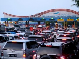 Kemacetan di Pintu Pelabuhan