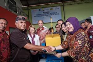 Kementerian PUPR-CCAI Resmikan Learning Center dan Serahkan Mesin Cacah Plastik di Desa Adat Seminyak