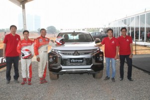 Kenalkan New Triton, Mitsubishi Boyong Legenda Reli Paris Dakar