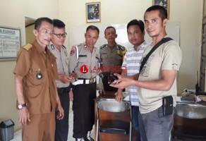 Kepala Desa di Sungkai Selatan Serahkan Senpi Rakitan ke Polisi