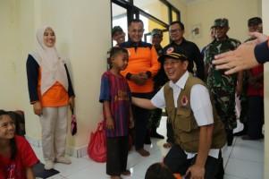 Ketika Kepala BNPB Kunjungi Para Pengungsi