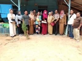 Ketua Bhayangkari Polres Lampung Utara Beri Bantuan pada Balita Sakit di Desa Ajikagungan