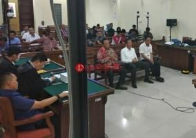 Ketua DPRD Lamsel Bantah Terima Uang dari Zainudin