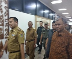 Ketua KPK Sindir Banyaknya Karangan Bunga Saat Launching SIPPKD