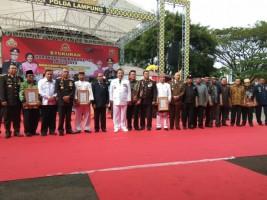 Ketua MPAL Pesisir Barat Dapat Penghargaan dari Kapolda