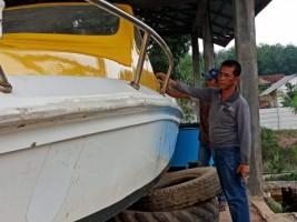 Khamami Cek Perbaikan Speed Boat Milik Pemkab