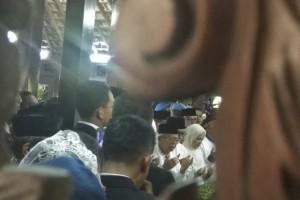 Kiai Ma'ruf Pimpin Salat Jenazah Mendiang Ani Yudhoyono
