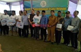 KKP Salurkan Bantuan Rp10 Miliar untuk Nelayan Ketapang dan Kalianda