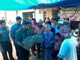 Kodim 0429/LT Beri Bantuan pada Warga Korban Puting Beliung