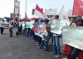 Komando Aksi Bela Hak Rakyat Demo Soal Korupsi Bandara