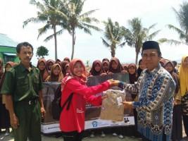Komunitas Tukar Baca Lampung Salurkan Bantuan Korban Tsunami