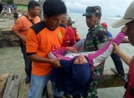 Kondisi Kesehatan Memburuk, Warga Pulau Sebesi di Evakuasi ke Daratan