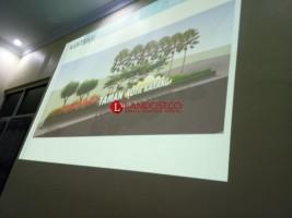 Konsultan Paparkan Konsep Taman Kota di Pesisir Barat